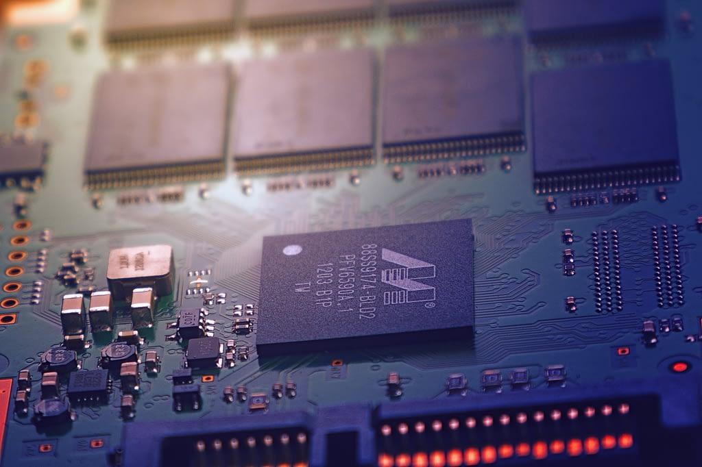 IT_computer_chip