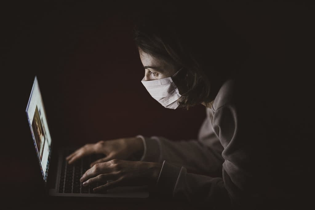 corona_hacker_mask